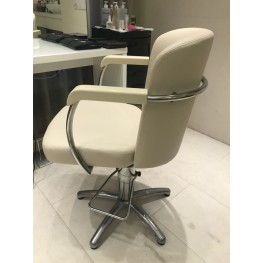 Парикмахерское кресло Maletti